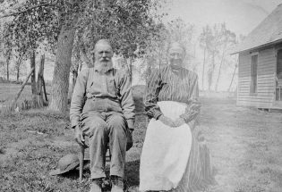 Keirnes family settled at Twin Mounds in 1880