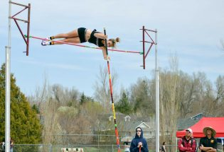 Spitz takes first for fourth time this season in pole vault