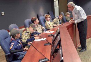 Cub Scouts meet the mayor