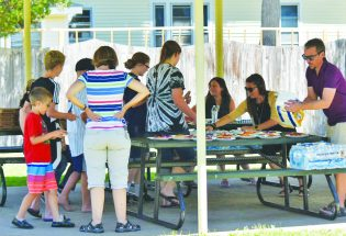 Local organizations provide free lunch to Berthoud kids