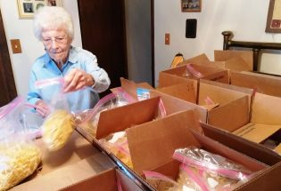 """89-year-old """"Noodle Queen"""" helps make homemade delights for annual craft fair"""