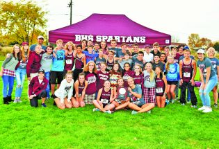 Two cross country teams going to state