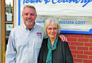 Mother-son team at RE/MAX Town & Country celebrate 25 years