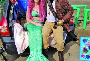 "Trina, the mermaid, brings ""magic"" to Berthoud"