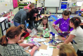 Ivy Cares makes cards, gift bags for Meals on Wheels