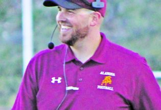 "Dillon McNamee resigns as Berthoud High football coach, finding replacement is AD DeWall's ""top priority"""