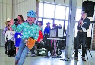 Upcoming clinic will turn aspiring young rodeo queens into royalty