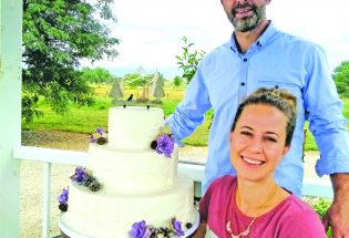 Colorado Rose Cake Co. wins The Knot's Hall of Fame