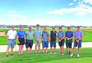 Berthoud golfers begin season swing