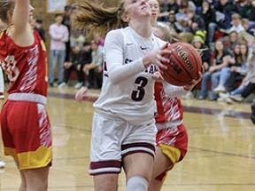 Berthoud girls dominate Golden 69-46, advance to Sweet 16