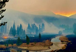 East Troublesome Fire moves into Rocky Mountain National Park both sides of Continental Divide